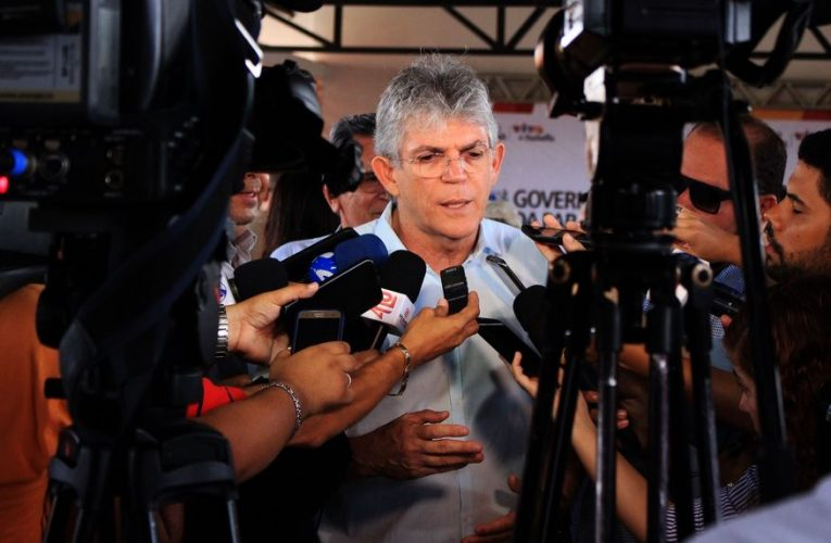Gaeco denuncia Ricardo Coutinho e mais sete pessoas por esquema criminoso de tentativa de apropriação do Lifesa