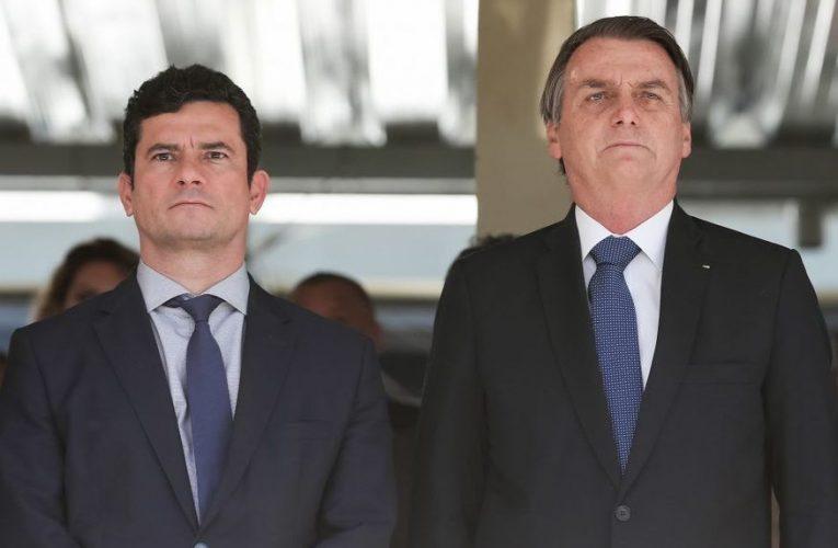 """Vídeo da reunião: Bolsonaro xinga prefeitos, pede armamento da população e diz: """"eu não vou esperar foder minha família"""""""