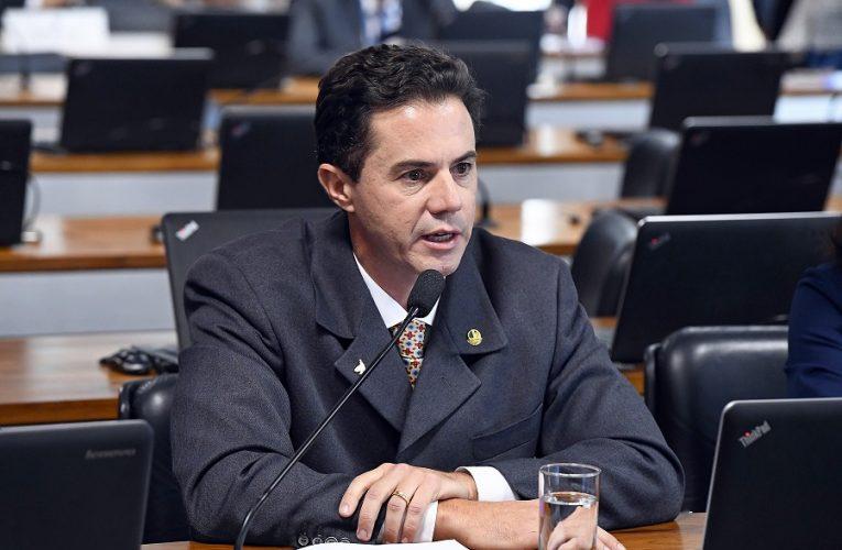 Senador Veneziano lamenta marca de mil mortes em 24h e critica ações de Bolsonaro frente à pandemia