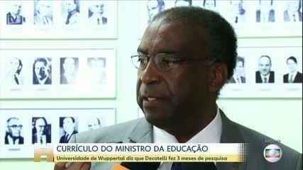 Governo adia posse do novo ministro da Educação, Carlos Alberto Decotelli