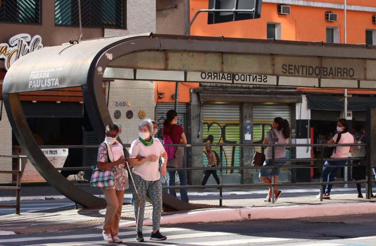 Bolsonaro amplia vetos na lei que torna obrigatório o uso de máscara