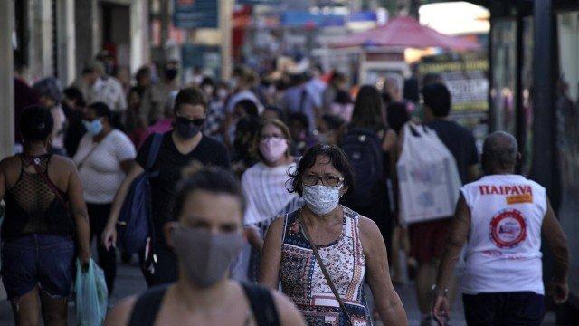 Brasil tem 1.719.660 casos de Covid-19, aponta consórcio de veículos da imprensa em boletim das 8h
